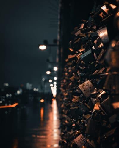 Au pont Hohenzollern à Cologne, l'amour s'écrit sur un cadenas Allemagne Geoffrey Lje