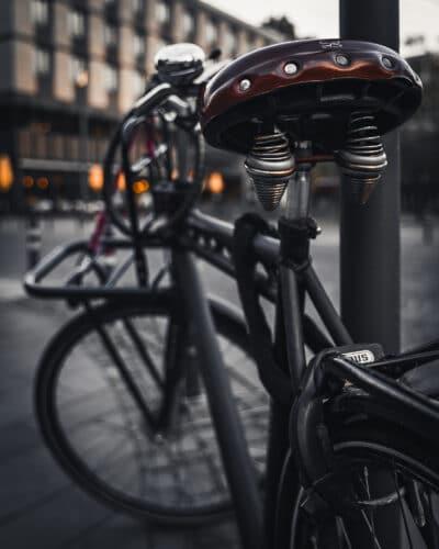 Un vélo à Cologne moody Geoffrey Lje