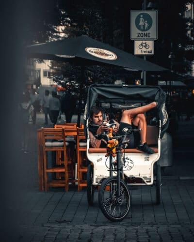 Street photo Cologne pouspous Allemagne Geoffrey lje