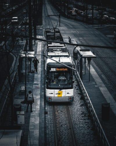 Un simple Tram Moody street photography geoffrey lje
