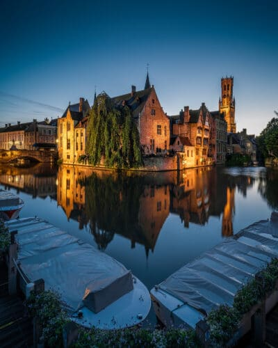 Bruges vue sur le canal heure bleue Geoffrey Lje