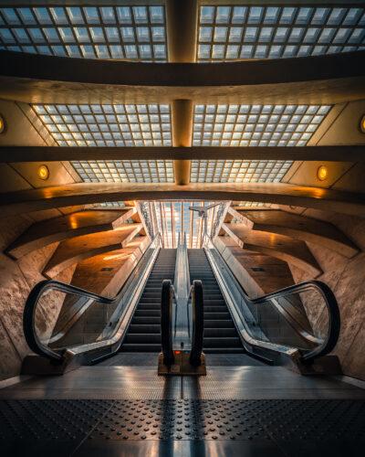 Escalator de la gare des Guillemins de Liège Geoffrey Lje
