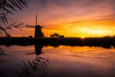 Moulins de Kinderdijk, Pays-bas coucher du soleil Geoffrey Lje