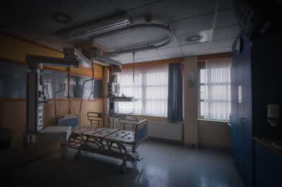 Hôpital abandonné urbex exploration urbaine abandonné Geoffrey Lje let's just explore